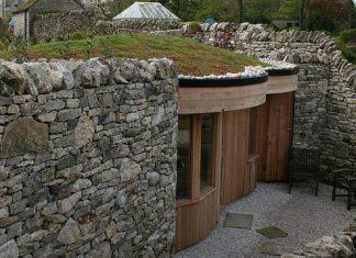 Дом из бутового камня