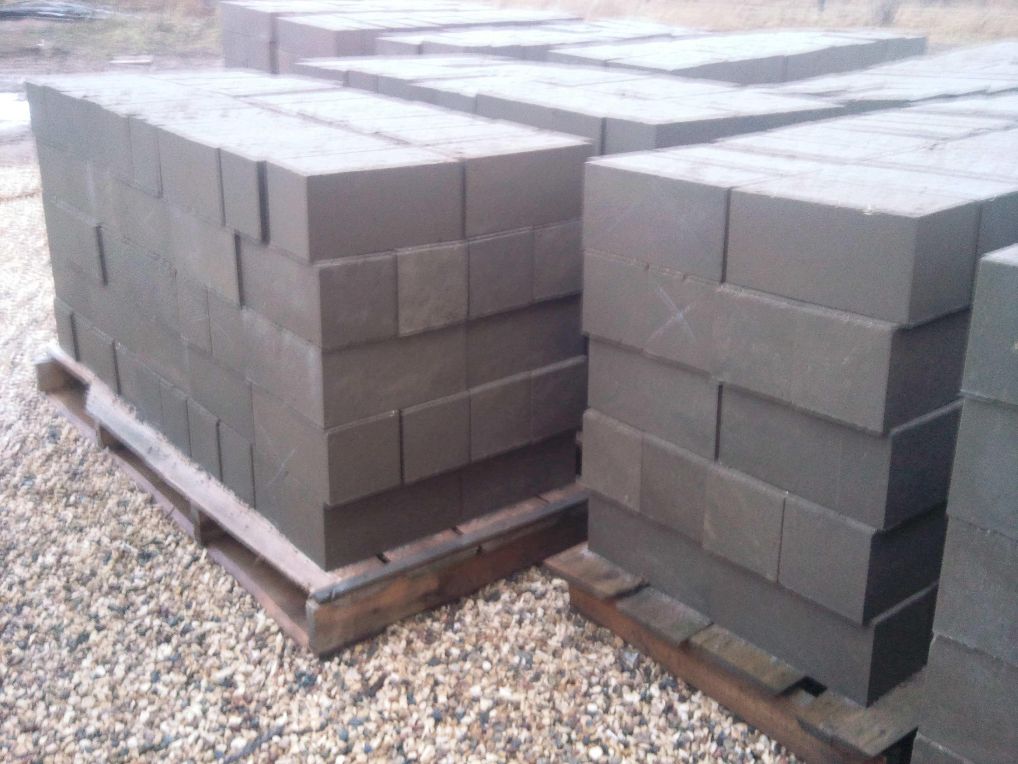 Ленточный и столбчатый фундамент из бетонных блоков 20х20х40