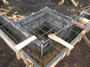 zalivka-svajno-lentochnogo-fundamenta