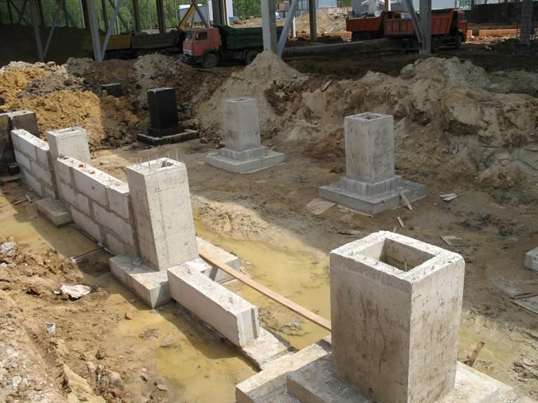 Составные железобетонные фундаменты под колонны: устройство