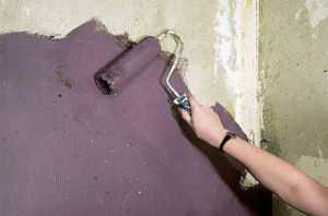 Наиболее простым способом защиты бетонных конструкций от коррозии является покраска.