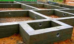 Готовое ленточное основание для бревенчатого строения