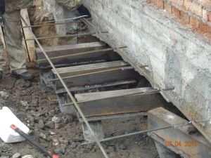 Реконструкция фундамента с использованием дополнительной арматуры