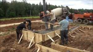 Процесс строительства столбчато-ленточного фундамента
