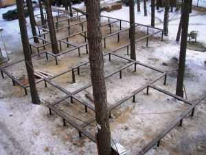 Винтовой фундамент под загородный коттедж
