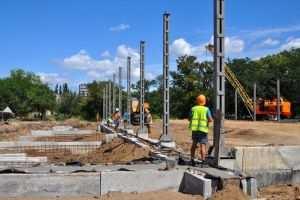 Процесс установки колонн